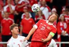 Дзюба выиграл больше всех верховых единоборств в первом тайме матча с Данией на Евро-2020