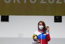 Путин поздравил Бацарашкину спервым российским золотом на ОИ-2020