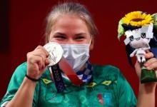 Штангистка Гурьева завоевала первую олимпийскую медаль для Туркмении