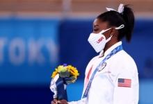 Американка Байлз о провальном опорном прыжке в многоборье: я обокрала команду