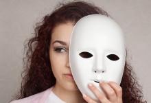 Синдром самозванца: что это такое и как от него избавиться?