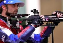 Каменский с первого места вышел в финал ОИ в стрельбе из винтовки из трёх положений