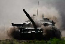 Экипажи танков Т-72Б3 провели дуэльные бои на полигоне под Петербургом