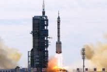 В КНР запустили пилотируемый корабль «Шэньчжоу-13» к орбитальной станции