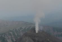 Шлейф пепла от вулкана Карымский растянулся на 89 км