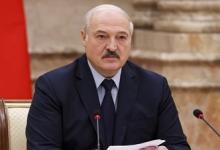 Лукашенко заявил о желании привиться от COVID-19 белорусской вакциной