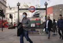 В Британии за сутки выявили более 49 тысяч случаев коронавируса